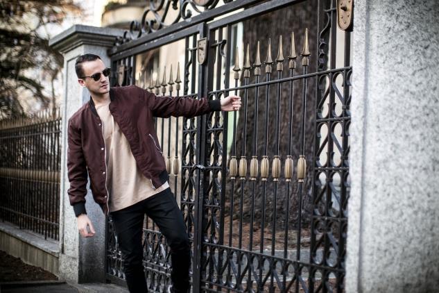 infashionity henri balit men's fashion blog swiss blogger burgundy bomber jacket hm holiday clubmaster rayban