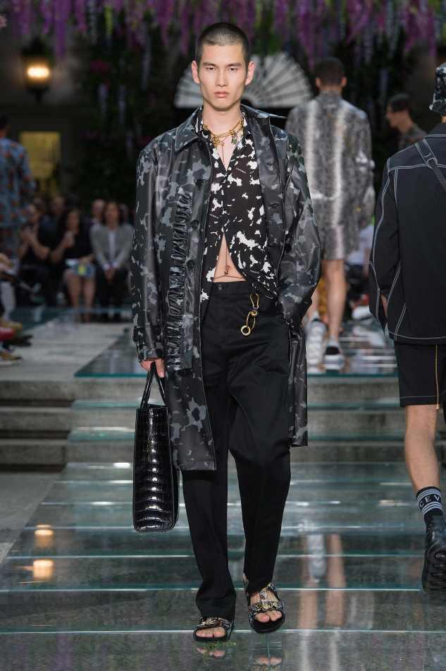 versace ss19 menswear trench coat plastic black menswear