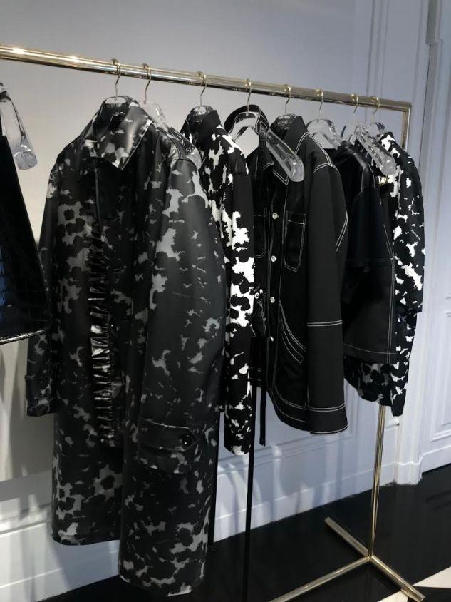 versace menswear ss19 black white looks